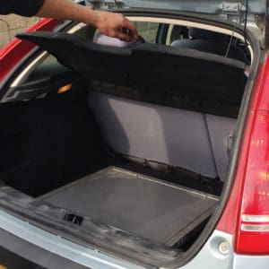 Zusammengefalteter Modus - nimmt fast keinen Platz im Kofferraum ein