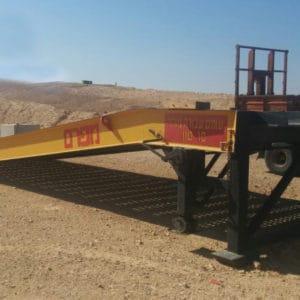 Die Rampe wird von der IDF in den Stützpunkten im Süden verwendet. Ausgelegt zur Verwendung mit Gabelstaplern, mechanischer Ausrüstung, MTWs, Fahrzeugen, Lastwagen und anderer Ausrüstung