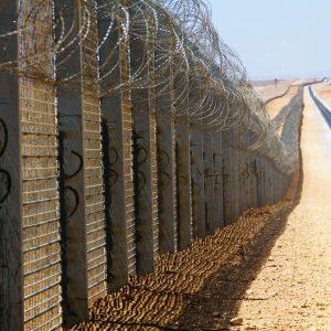 Zaun entlang der Grenze zwischen Israel und Ägypten